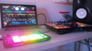 Reloop Neon und Novation Twitch